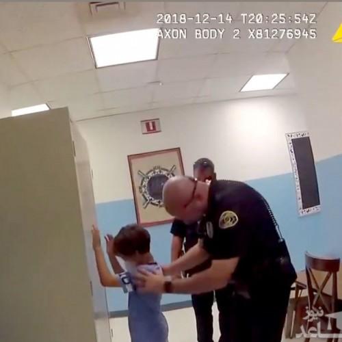 ویدئو جنجالی از دستبند زدن پلیس آمریکا به کودک