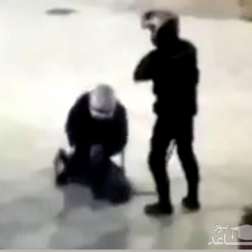 (فیلم) ضرب و شتم وحشیانه یک دختر توسط پلیس اسپانیا