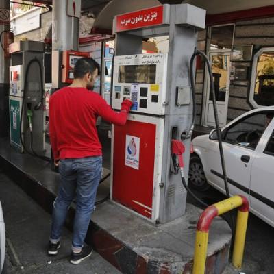 چرا پمپهای بنزین شبها شلوغ میشود؟