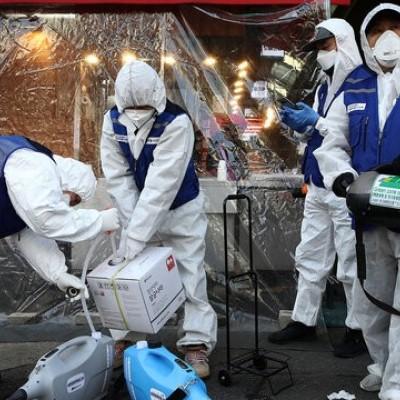 ضدعفونی کردن بیمارستان کرونایی در کره جنوبی / این فیلم را مسوولان ایرانی ببینند