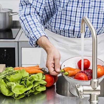 نکاتی برای شستوشوی میوه و سبزی در روزهای کرونایی