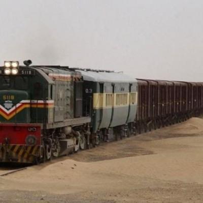 قطار باری ایران و پاکستان از ریل خارج شد