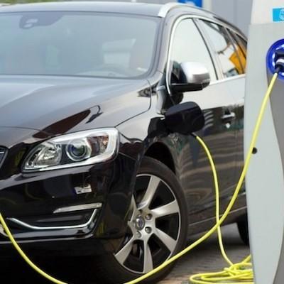 آموزش شارژ کردن ماشین هیبریدی