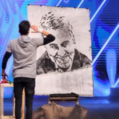 اهدای انگشتر سردار سلیمانی به هنرمند جوان عصر جدید