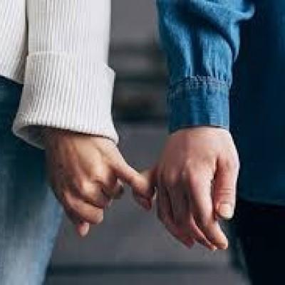 چگونه با همسر خود صمیمی باشیم؟