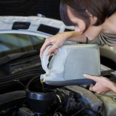 اگر روغن موتور زیاد باشد چه اتفاقی می افتد؟