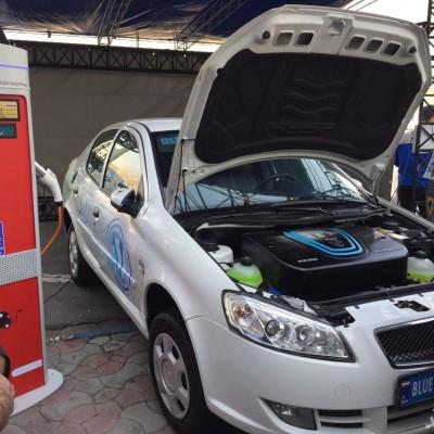 از اولین خودروی تمام برقی ایرانی رونمایی شد