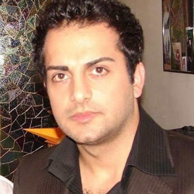 حامد کمیلی در تولد برادران دوقلویش