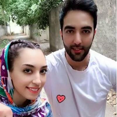 ساحل گردی کیمیا علیزاده و همسرش قبل از مهاجرت