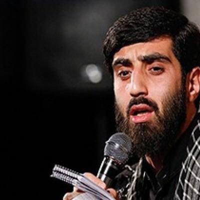 (فیلم) شعرخوانی سید رضا نریمانی در مراسم پیش خطبه نماز جمعه تهران