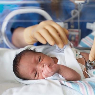 تولد اولین نوزاد مبتلا به کرونا در مشهد