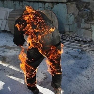 دیدن آتش گرفتن لباس در تن در خواب چه تعبیری دارد؟ /  تعبیر خواب آتش