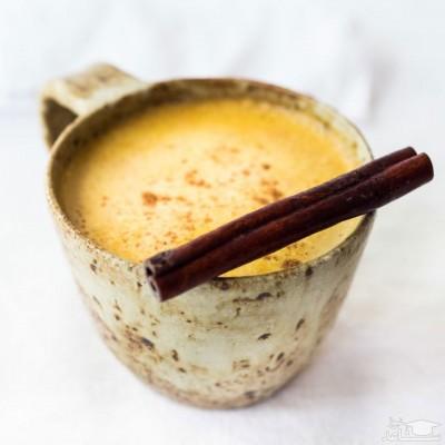 نوشیدنی شیر زردچوبه خوشمزه و بسیار مقوی در هوای سرد