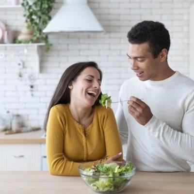 کنترل و کاهش میل جنسی زیاد با مواد غذایی