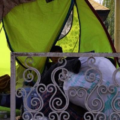 ماجرای زندگی یک خانوادهی اهل کرمانشاه در پارک