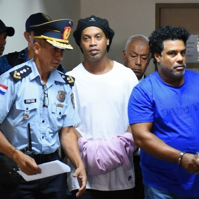 دیدن رونالدینیو در زندان زجرآور است
