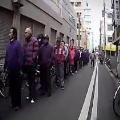 (فیلم) واقعیاتی سانسور شده از ژاپن/ از صفهای بدون انتها چه میدانید؟