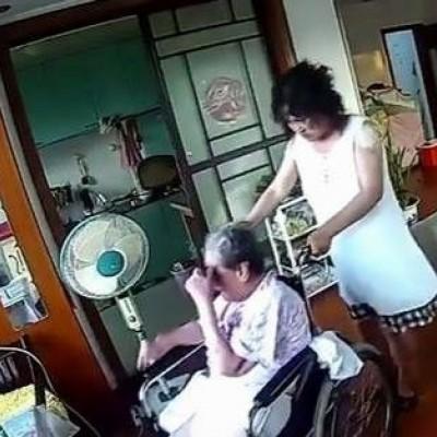 (فیلم) رفتار وحشیانه یک پرستار خانگی با پیرزن معلول