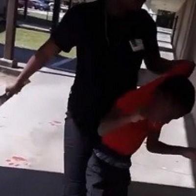 (فیلم) مادری که وحشیانه کودک خود را با کمربند کتک میزند