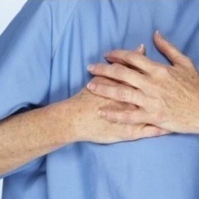 علل درد در سمت راست قفسه سینه و راههای درمان آن