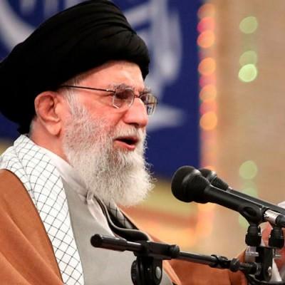 رهبر انقلاب: حمله آمریکا به حشدالشعبی عراق را به شدت محکوم میکنیم