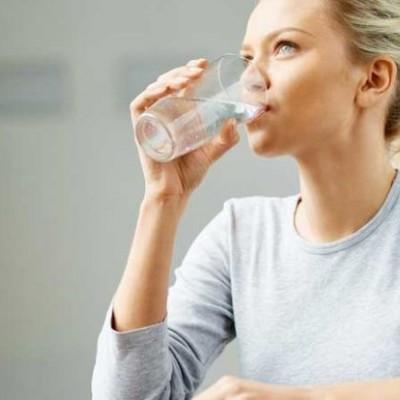 دیدن آب خوردن در خواب چه تعبیری دارد؟ / تعبیر خواب آب خوردن