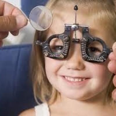 دلایل تاری چشم و روش های درمان آن
