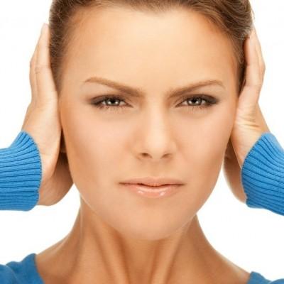 علائم تومور گوش و راههای درمان آن