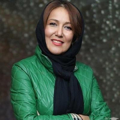 برداشتن روسری در کنفرانس خبری توسط بازیگر معروف