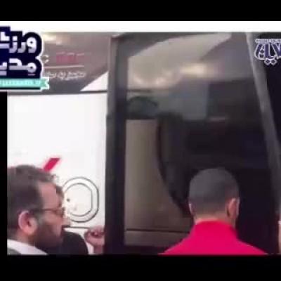 (فیلم) فحاشی علی علیپور با یک هوادار معترض پرسپولیسی