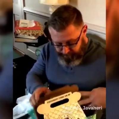 (فیلم) زیباترین و غمانگیزترین هدیه دنیا برای یک پدر