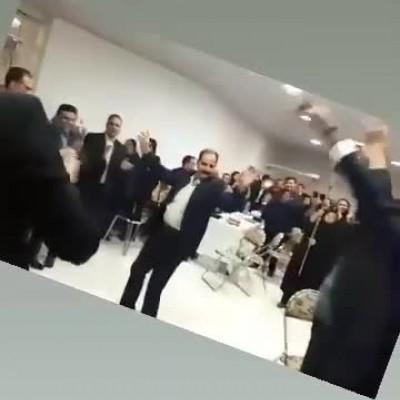 (فیلم) رقص در همایش روز ملی بیمه پاساگارد در سبزوار