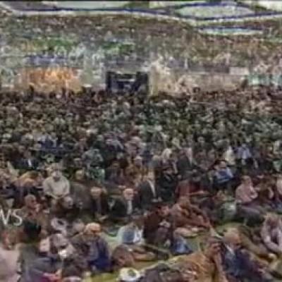 (فیلم) سر دادن شعار علیه روحانی در نمازجمعه